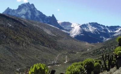 Mount Kenya Climbing, Sirimon Route Down Chogoria